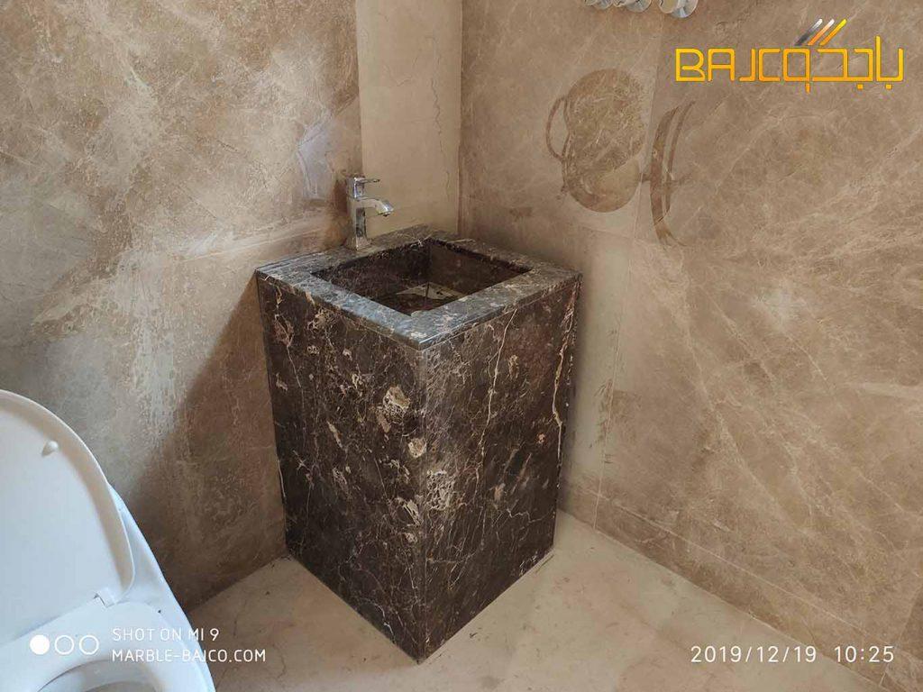 مغاسل رخام داخل الحمام